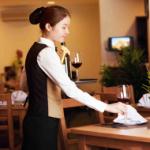 Công việc của nhân viên phục vụ trong kinh doanh nhà hàng