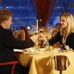 8 thủ thuật khiến khách hàng chi nhiều tiền hơn trong kinh doanh nhà hàng