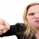 Làm gì để đối phó với các khách hàng nóng nảy