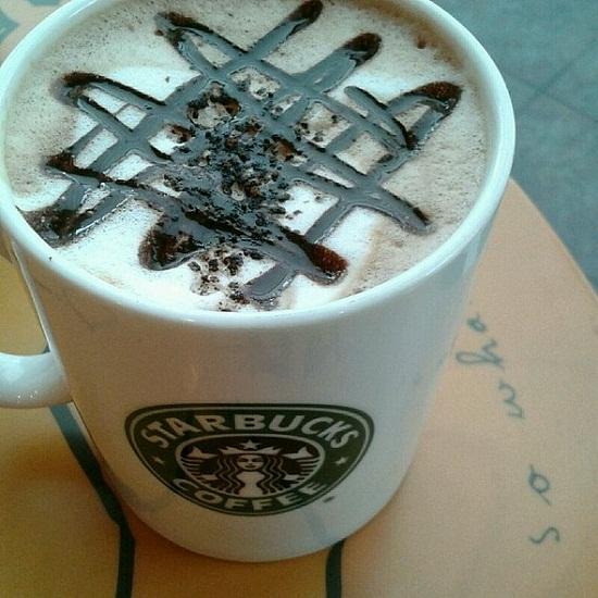 Để được công nhận là nhân viên pha chế, ứng viên phải pha được 1 ly Cappuccino hoàn hảo
