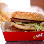 Cuộc chạy đua Marketing giữa McDonald và Chipotle, ai về đích trước?