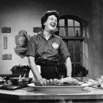Cùng nhìn lại cuộc đời & sự nghiệp của một trong những nữ đầu bếp nổi tiếng nhất trong lịch sử, Julia Child
